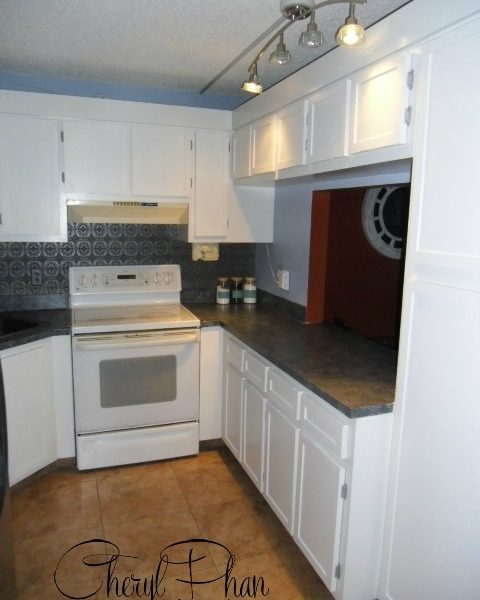 Complete kitchen makeover for pennies on the dollar