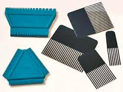 Strie combs