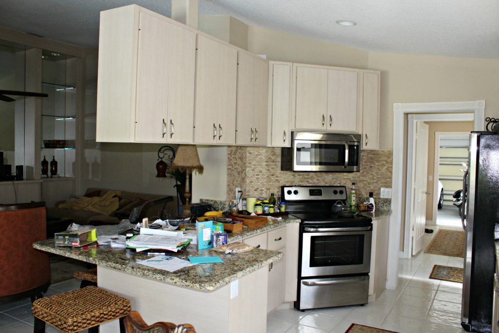 Should We Replace White Kitchen Cabinets
